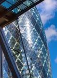 伦敦,现代英国建筑学,嫩黄瓜修造的玻璃纹理 城市伦敦 免版税图库摄影