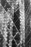 伦敦,现代英国建筑学,嫩黄瓜修造的玻璃纹理 城市伦敦 免版税库存照片