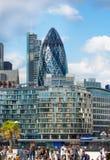伦敦,现代英国建筑学,嫩黄瓜修造的玻璃纹理 城市伦敦 免版税库存图片