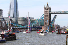 伦敦,英国。第1 2013年9月。围绕世界Yac的飞剪机 免版税库存图片