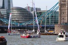 伦敦,英国。第1 2013年9月。围绕世界Yac的飞剪机 库存照片