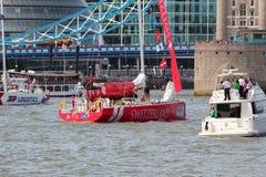 伦敦,英国。2013年9月1日。围绕世界Yac的飞剪机 免版税库存图片