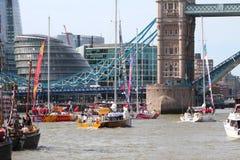 伦敦,英国。2013年9月1日。围绕世界Yac的飞剪机 免版税库存照片