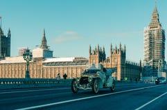 05/11/2017伦敦,英国,布赖顿经验丰富的汽车奔跑的伦敦 免版税图库摄影