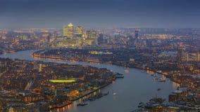 伦敦,英国-东部伦敦全景地平线视图有摩天大楼的 库存图片