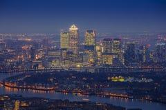 伦敦,英国-东部伦敦全景地平线视图有摩天大楼的 库存照片