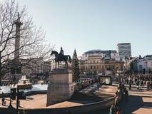 伦敦,英国-在购物中心附近的雕象,伦敦 免版税库存照片