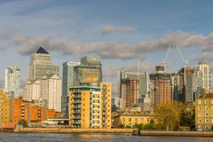 伦敦,英国- 2017年10月17日, :金丝雀码头商业区在伦敦 免版税库存照片