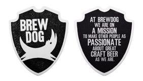 伦敦,英国- 2018年3月01日:在白色隔绝的Brewdog工艺啤酒原始的beermat沿海航船 库存图片