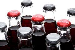 伦敦,英国- 2017年12月07日:瓶经典饮食和在白色的零的可口可乐 可口可乐是一个最普遍的苏打刺 库存照片
