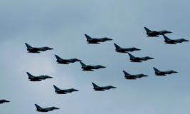 伦敦,英国- 2018年7月10日:皇家空军庆祝它的100年与空中分列式的周年在白金汉宫 库存图片