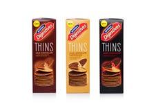 伦敦,英国- 2018年1月20日:箱子McVities Digestives变薄用在白色的巧克力 库存照片