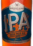 伦敦,英国- 2018年1月02日:装瓶IPA greene印度国王在白色的麦酒啤酒标签  图库摄影