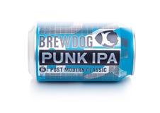 伦敦,英国- 2018年1月02日:Brewdog低劣的Ipa啤酒岗位现代经典之作铝罐,从白色的Brewdog啤酒厂 免版税库存照片