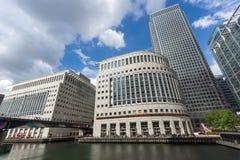 伦敦,英国- 2016年6月17日:企业大厦和摩天大楼在金丝雀码头,伦敦,大英国 库存照片
