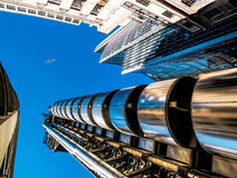 伦敦,英国- 6月14日:伦敦大厦Lloyds在一个晴天 免版税库存照片
