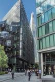 伦敦,英国- 2014年6月11日:办公室工作者和商人o 库存照片