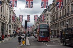 伦敦,英国- 2016年6月16日:在摄政的街道,伦敦市,大英国的云彩 库存图片