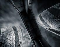 伦敦,英国- 3月29日:嫩黄瓜摩天大楼的大角度看法 库存图片