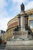 伦敦,英国- 10月15日:有stat的皇家阿尔伯特霍尔 免版税图库摄影