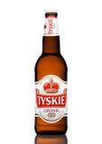 伦敦,英国- 2017年3月23日:瓶在白色的Tyskie啤酒 yskie啤酒在1629年首先酿造了并且位于波兰 库存照片