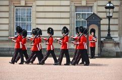 伦敦,英国- 2014年6月12日:英国皇家卫兵执行查家 免版税库存图片