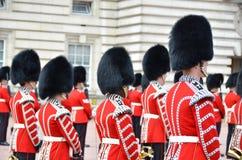 伦敦,英国--2014年6月12日:英国皇家卫兵执行C 库存照片