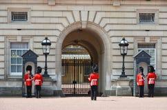 伦敦,英国- 2014年6月12日:英国皇家卫兵 库存图片