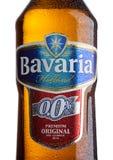 伦敦,英国- 2017年5月29日:装瓶巴伐利亚荷兰非酒精啤酒标签在白色的 巴伐利亚是Th的第二大啤酒厂 免版税库存照片