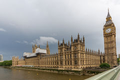伦敦,英国- 2016年6月16日:议会,威斯敏斯特宫殿,伦敦,英国议院  库存照片