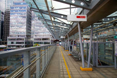 伦敦,英国- 2014年4月24日:金丝雀码头DLR港区驻地在伦敦 库存图片