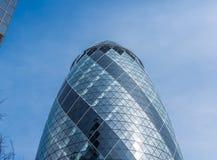 伦敦,英国- 2016年4月3日:30圣玛丽轴的嫩黄瓜摩天大楼 免版税库存图片