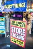 伦敦,英国- 3月16日: HMV商店前窗在Piccadilly Circ 库存照片