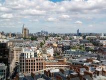 伦敦,英国- 6月14日:从威斯敏斯特大教堂的一个看法在Londo 免版税库存图片