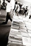 伦敦,英国- 2014年6月21日:Southbank中心的书市场 库存图片
