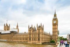 伦敦,英国- 2016年6月21日 传统街道视图  图库摄影