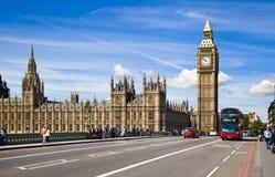 伦敦,英国- 2014年5月14日-伦敦眼睛是被打开的巨人弗累斯大转轮 免版税库存照片