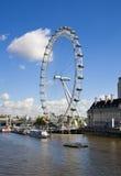 伦敦,英国- 2014年5月14日-伦敦眼睛是被打开的巨人弗累斯大转轮 库存图片
