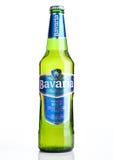 伦敦,英国- 2016年11月05日 冷的瓶巴伐利亚优质啤酒,在白色背景 巴伐利亚是第二大啤酒厂我 免版税库存图片
