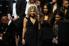 伦敦,英国- 12月02 :客人出席2014年维多利亚的秘密时装表演前排&前鸡尾酒招待会 库存图片