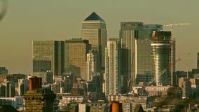 伦敦,英国- 2016年 02 18 :平衡伦敦市的摩天大楼,橙色日落 影视素材