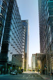 伦敦,金丝雀码头英国- 2014年4月13日-金丝雀码头企业唱腔,银行的总部现代玻璃建筑学  免版税库存照片