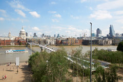 伦敦从塔特现代大阳台的地平线视图 库存照片