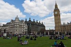 伦敦-2014年4月14日:威斯敏斯特宫的大本钟 库存照片