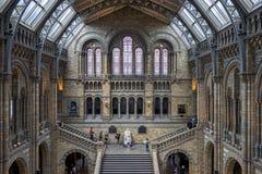伦敦- 6月10 :一个楼梯的人们在全国历史 库存图片