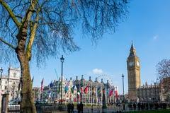伦敦- 3月13 :大本钟看法横跨议会正方形的在Lo 库存图片