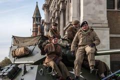 伦敦- 11月12 :游行的正规的士兵在Lor 库存图片