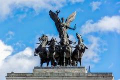 伦敦- 11月3 :纪念碑向在Hy中间的惠灵顿 免版税库存照片