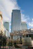 伦敦- 2月12 :金丝雀码头和其他大厦在Dockl 免版税库存图片