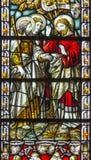 伦敦-耶稣和传道者雅各布和约翰彩色玻璃的在教会圣詹姆斯西班牙人放 图库摄影